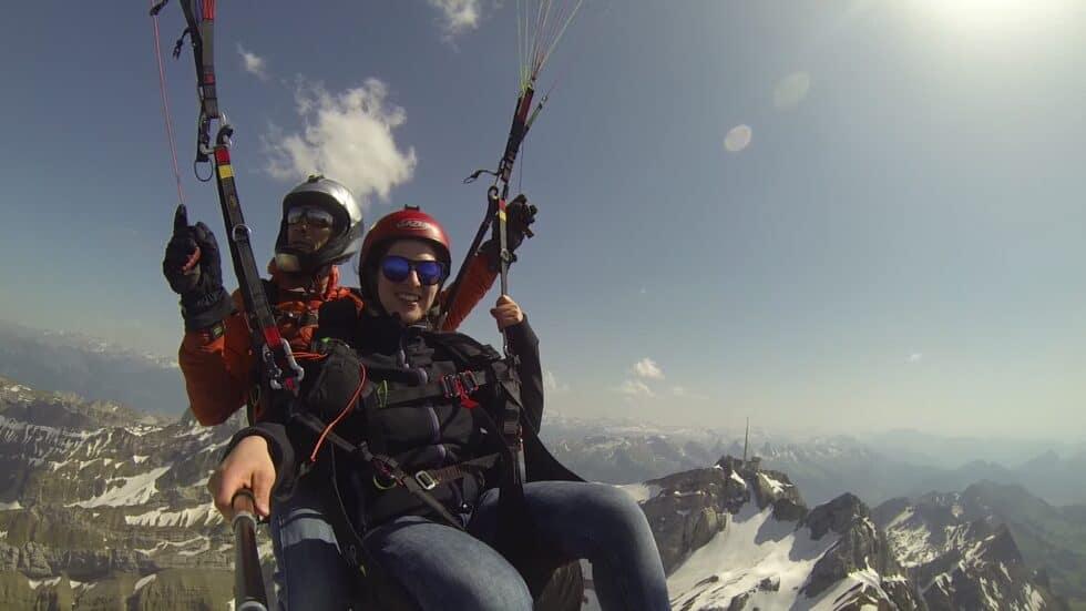 Passagierflug in der Schweitz. Paragliding Erlebnis