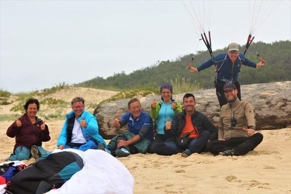 Paraglider Truppe am Strand